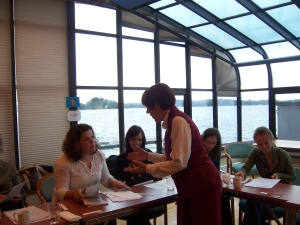 Arnold durante un taller dirigido a profesores de ELE en Noruega