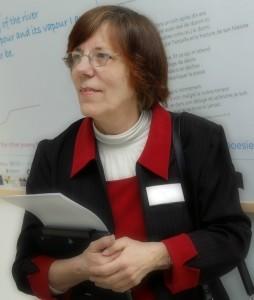 Jane Arnold ha diseñado y coordina Enele 2015